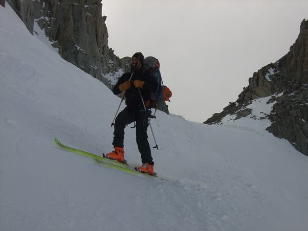 Nico ski vers la Ginat aux Droites