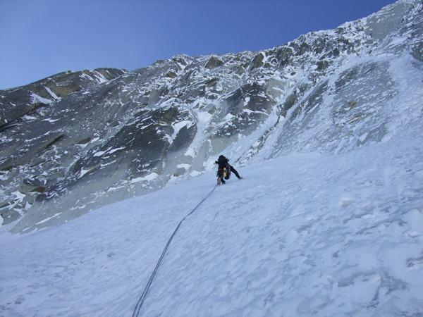 A la sortie des pentes de neige et glace de la Ginat aux Droites