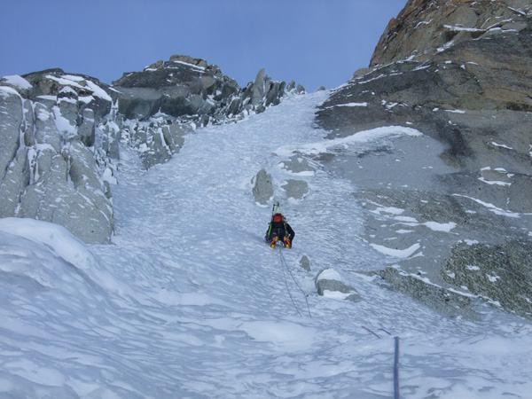 Encore de la glace dans le haut de la Ginat aux Droites