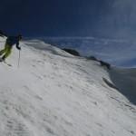 Nico a ski dans le couloir sud du Combeynot