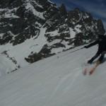Tibo envoie à ski dans la descente de la Bosse de la Momie