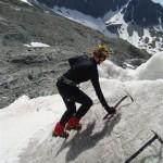 Ecole glace - Glacier Blanc - Emmanuelle chauffe les mollets en pointe avant
