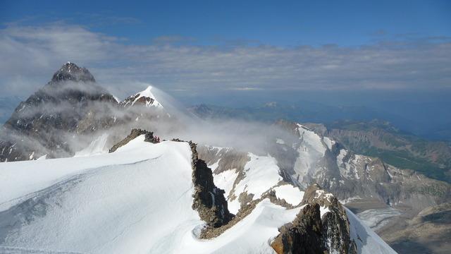Tré la Tête - L'Aiguille des Glaciers et la Lée Blanche vues du Glacier suspendu