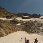Tour des Ailefroides - Col du Sélé - Et enfin sur le glacier après avoir traversé le beau champ de caillou au dessus