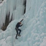 Cascade de glace à Crévoux - Charles en action