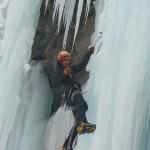Cascade de glace à Crévoux - Les joies du brochage