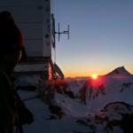 Mont Blanc - Voie normale - Levé de soleil à Vallot