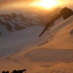 Dôme des Ecrins - Levé de soleil brumeux
