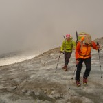 Premier pas en crampons sur la glacier sous la pointe Giordani