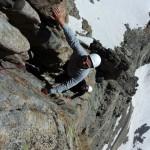 Nico apprécie la beauté du granite