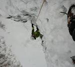 Initiation cascade de glace - Paulo Folie - Camille sort de la première longueur
