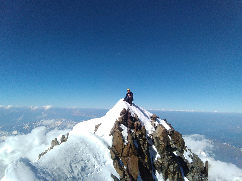 Mont-Blanc - Sur l'arête du Brouillard