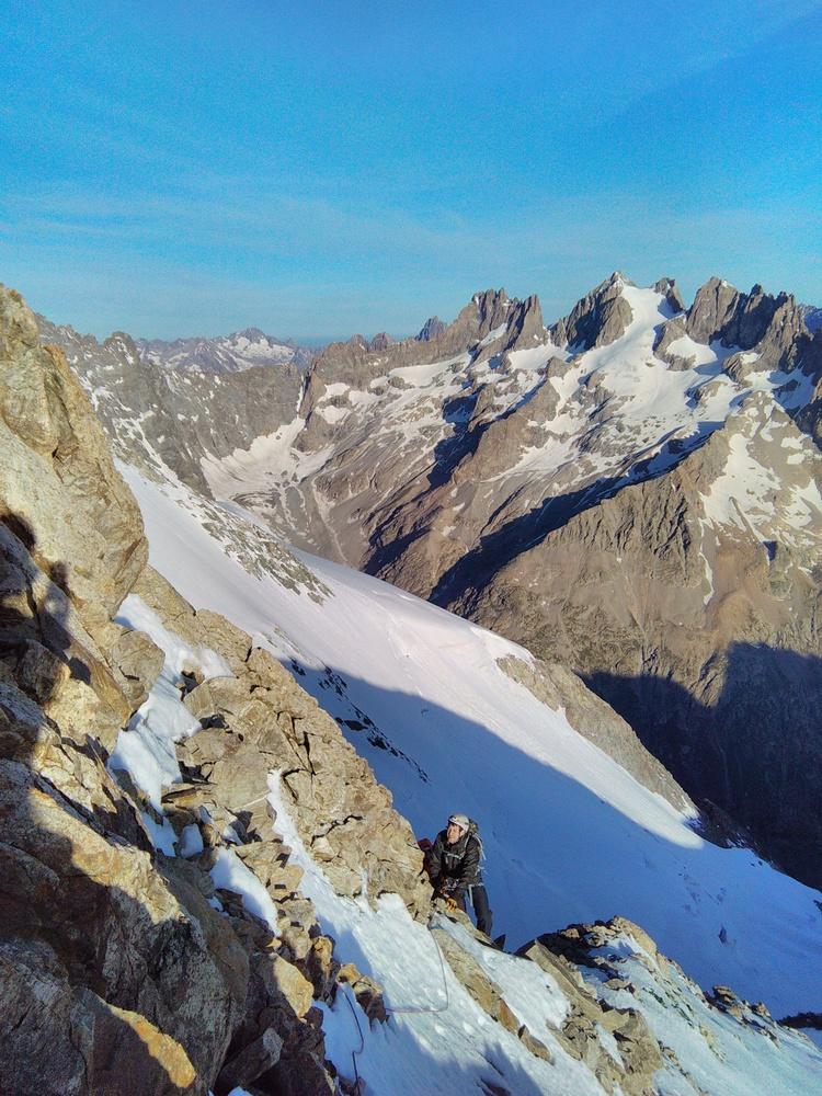 Neige Cordier - Sur l'arête sommitale