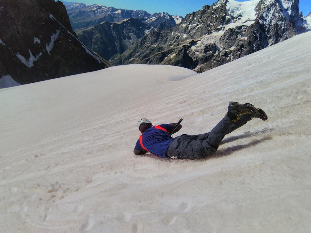 Stage alpinisme - Glissade sur la neige
