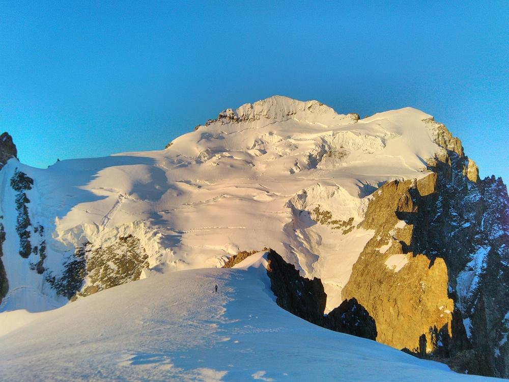 Initiation Alpinisme - Vue sur le Dôme