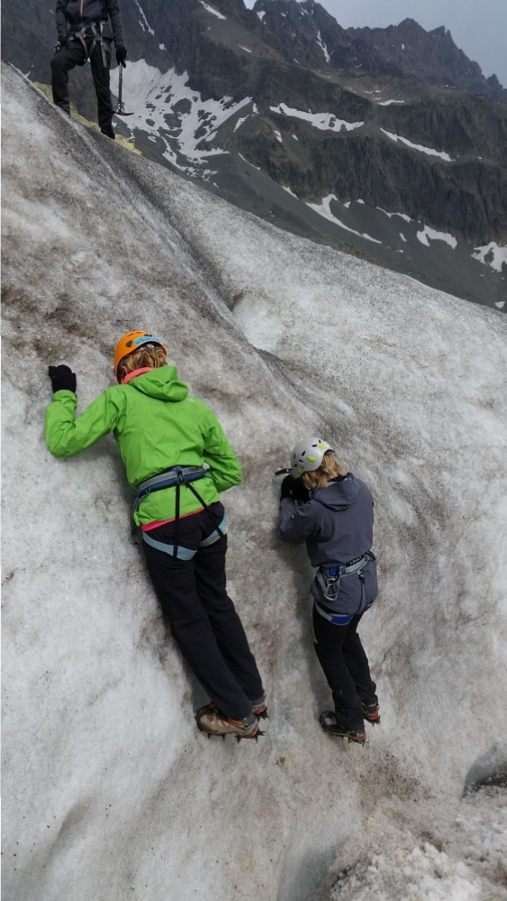initiation alpinisme - Inspection de la glace