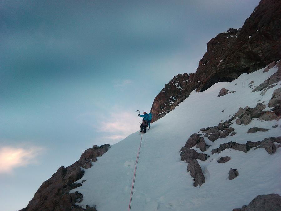 Pic sans Nom - Dans les bandes de neige à la jonction granite-gneiss