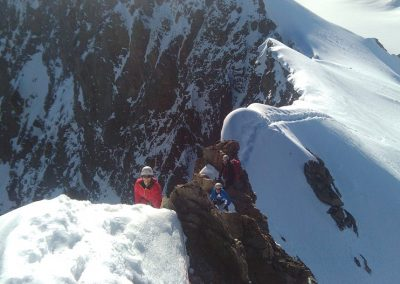 Stage initiation alpinisme - L'arête bien enneigée