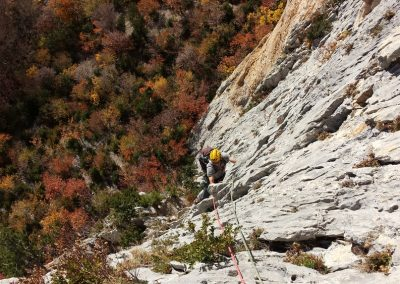 Archaine - Voie du Levant - Sur fond de couleurs d'automne