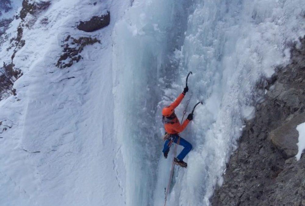 Cascade de glace – Géant des Tempêtes
