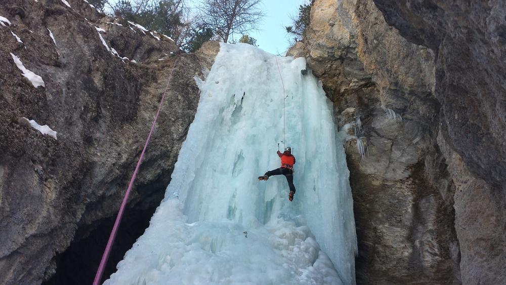 Cascade glace Ceillac - Sombre héros - Quelques moulinettes pour se chauffer!