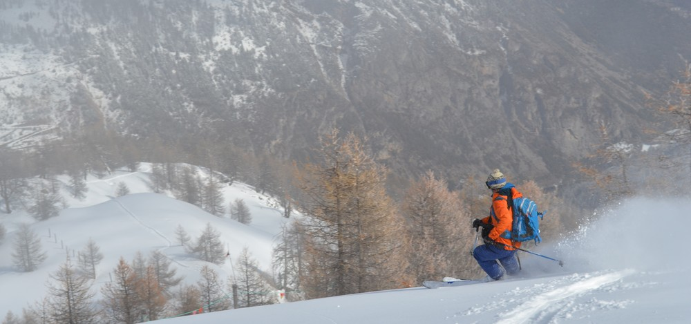 Ski de rando - Crête de la Seyte - Tout en bas la vallée!
