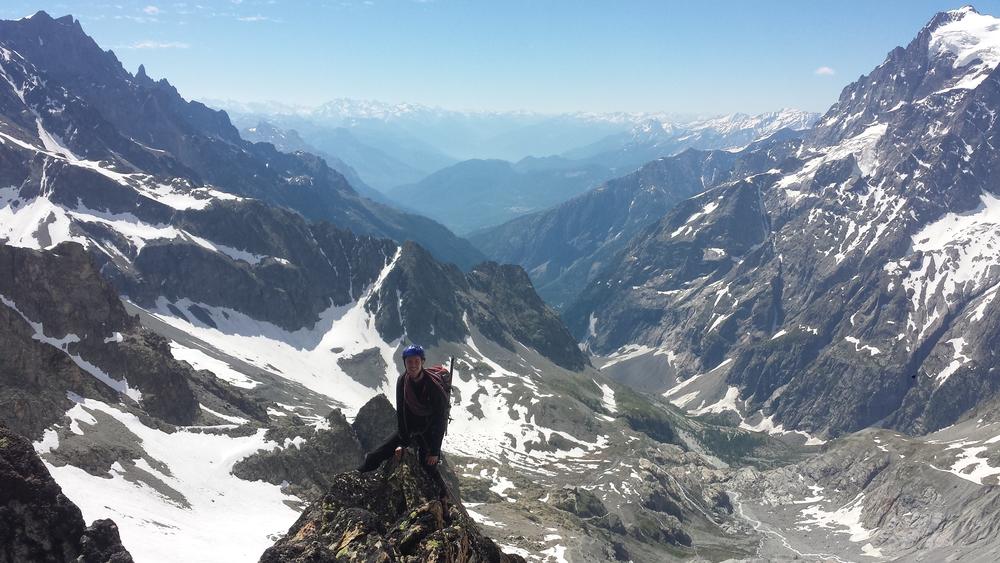 Stage autonomie - Max enfourche l'arête sud du Pic du Glacier d'arsine