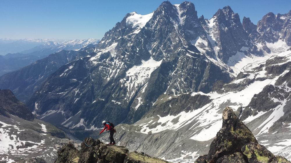 Stage autonomie - Passage de becquet sur l'arête sud du Pic du Glacier d'arsine