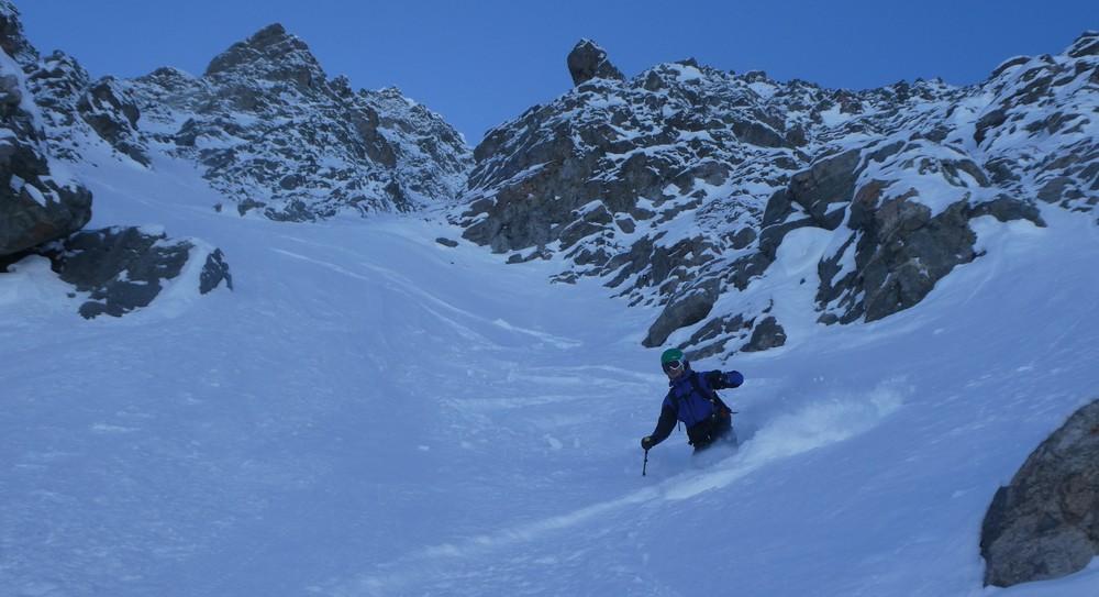 Ski de pente raide à la pointe Charlet
