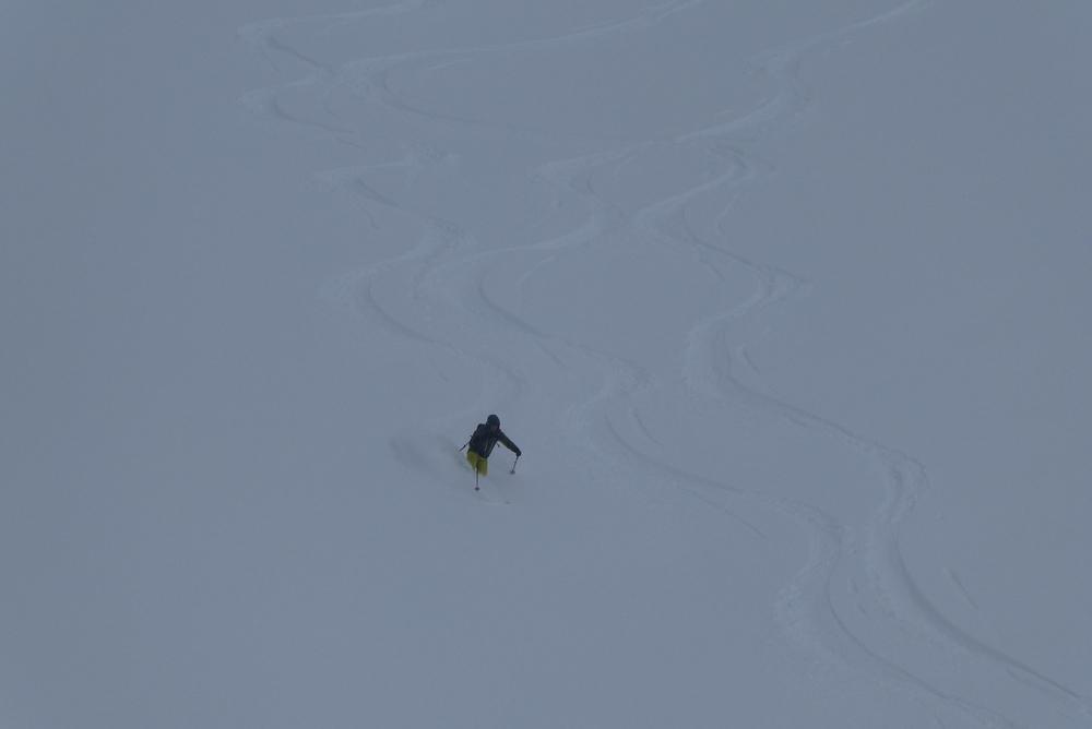 Ski randonnée Ubaye Fouillouse - Vers le Col de Mirandol - Tor dans la popow