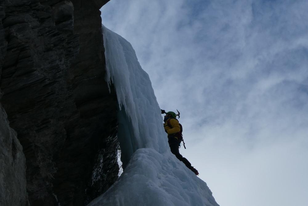 cascade de glace - Fracastorus - Les espagnols devant nous