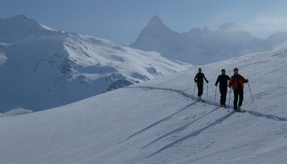 Ski rando terre rouge - Vers la Pissine - Sur fond de Thabor