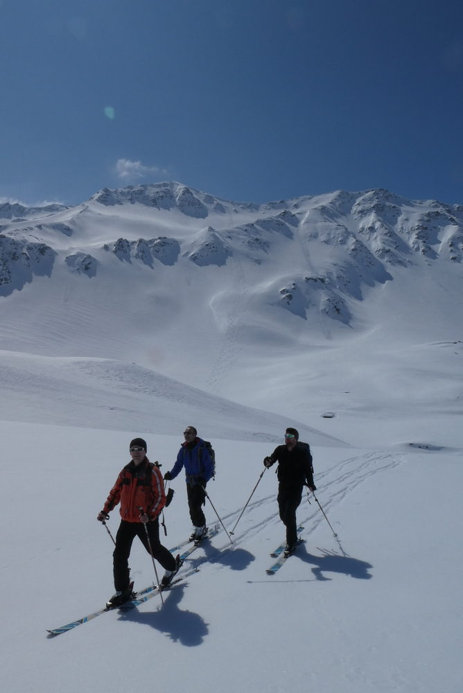 Ski rando terre rouge - Vers la Pissine - Hé hi, hé ho, on rentre du boulot!