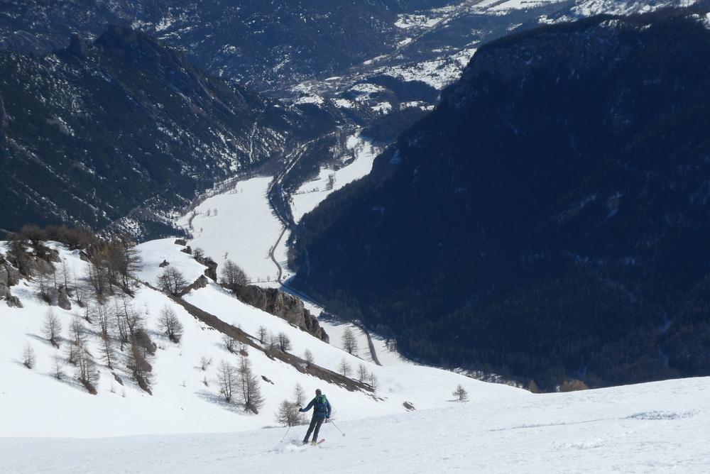 Découverte ski de randonnée - Tête des Lauzières - Et en bas la vallée