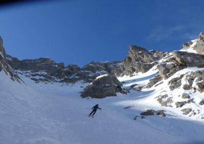 Aiguillas - Ski de rando - Dans le large couloir