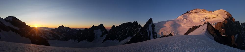 Initiation découverte alpinisme - Levé de soleil Roche Faurio