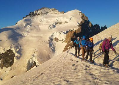 Initiation découverte alpinisme - A deux pas du sommet