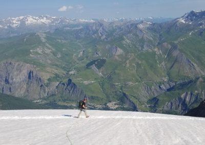 Traversée Pavé Meije Orientale -  Contraste entre glacier et verdure