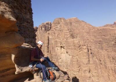 Al Thalamiyah - Devant les Volcanics towers