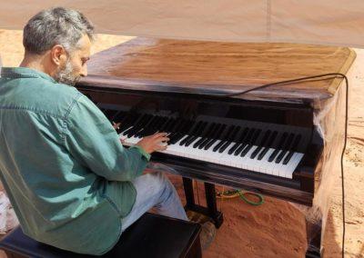 tareq, le pianiste fou
